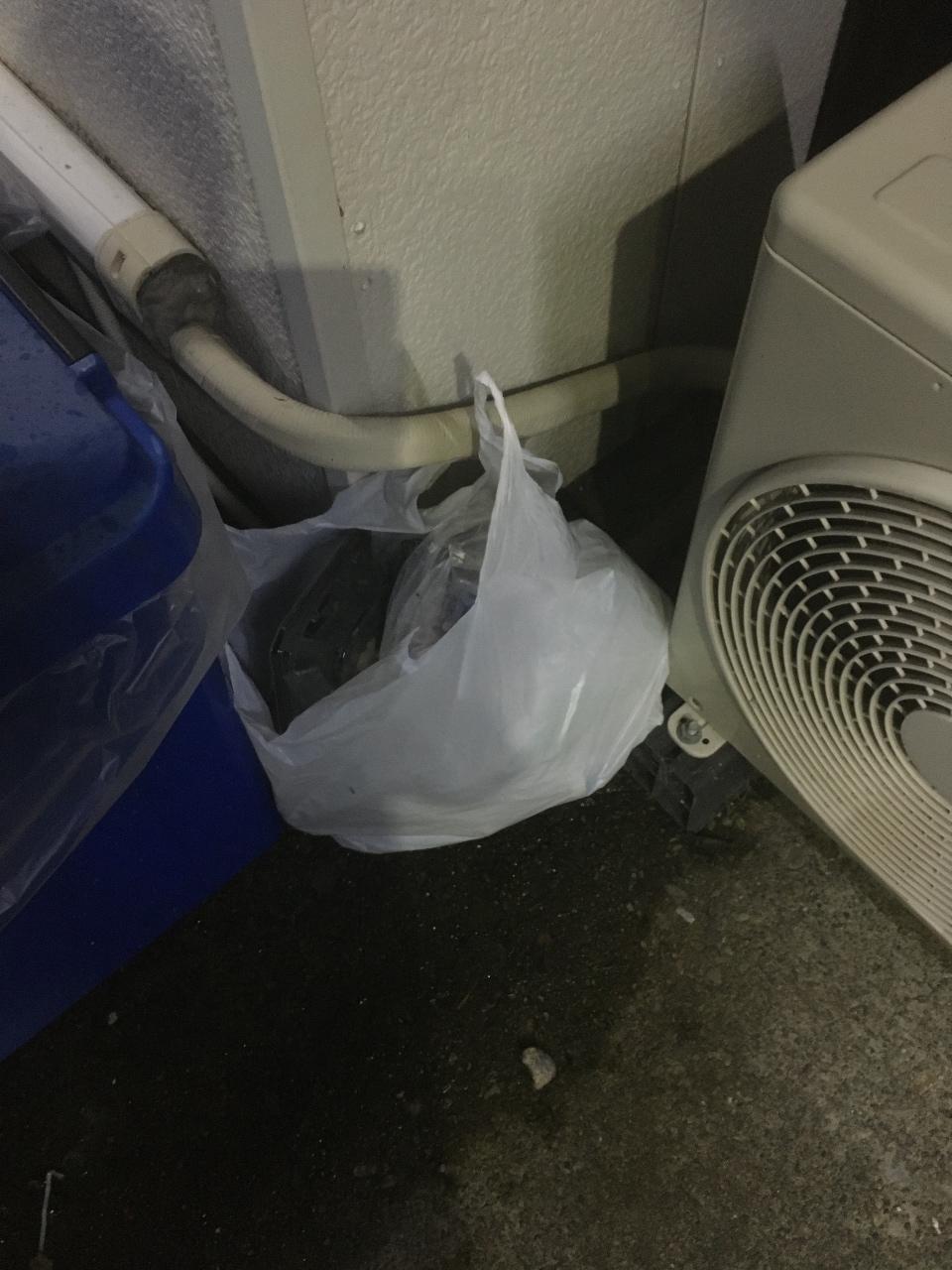 ゴミ問題、ゴミ箱を仕分けて用意していますのでご協力を!!
