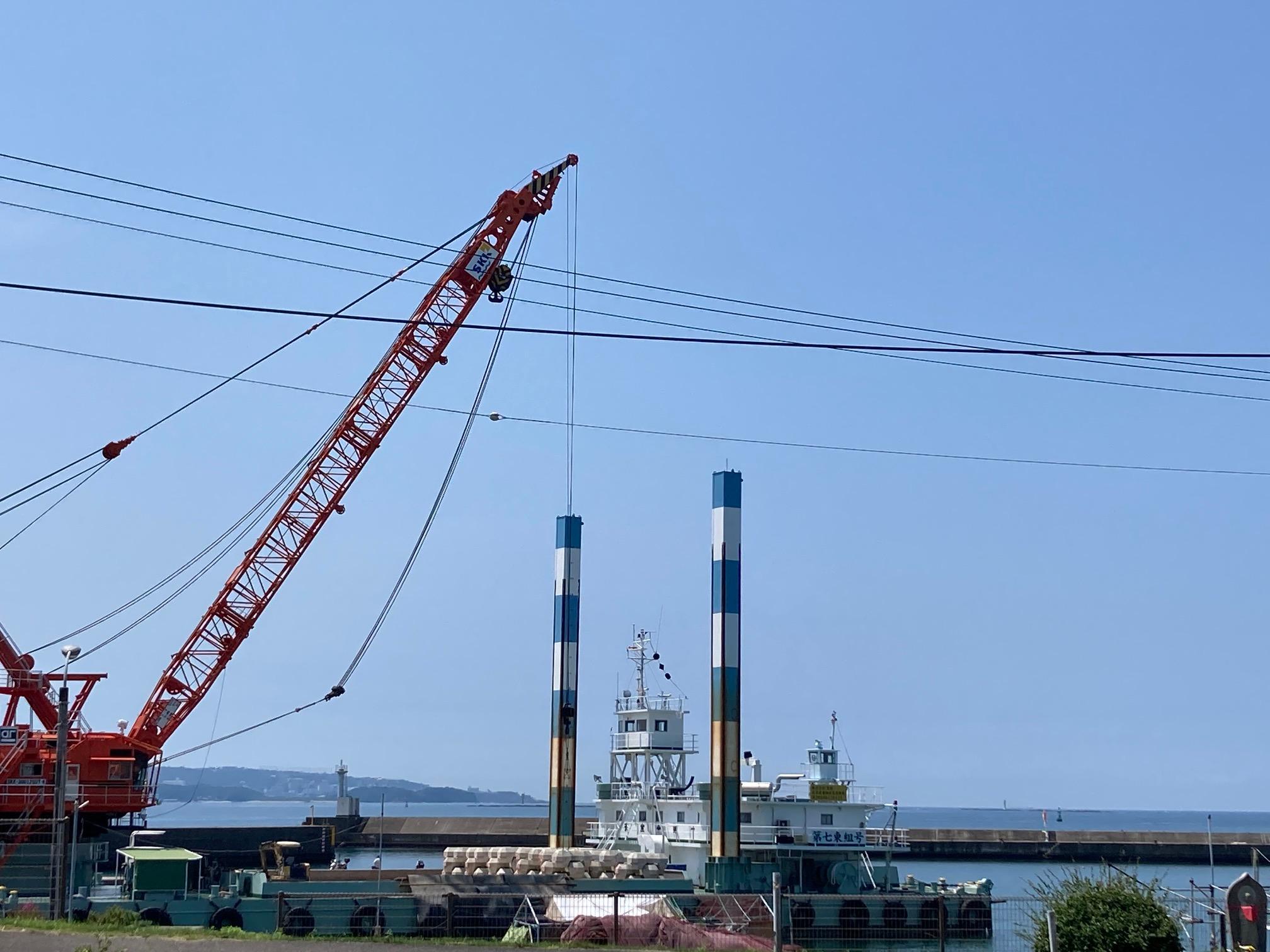 みなべ堺堤防は、堤防の強化工事を行っておりますが、釣りは可能です。