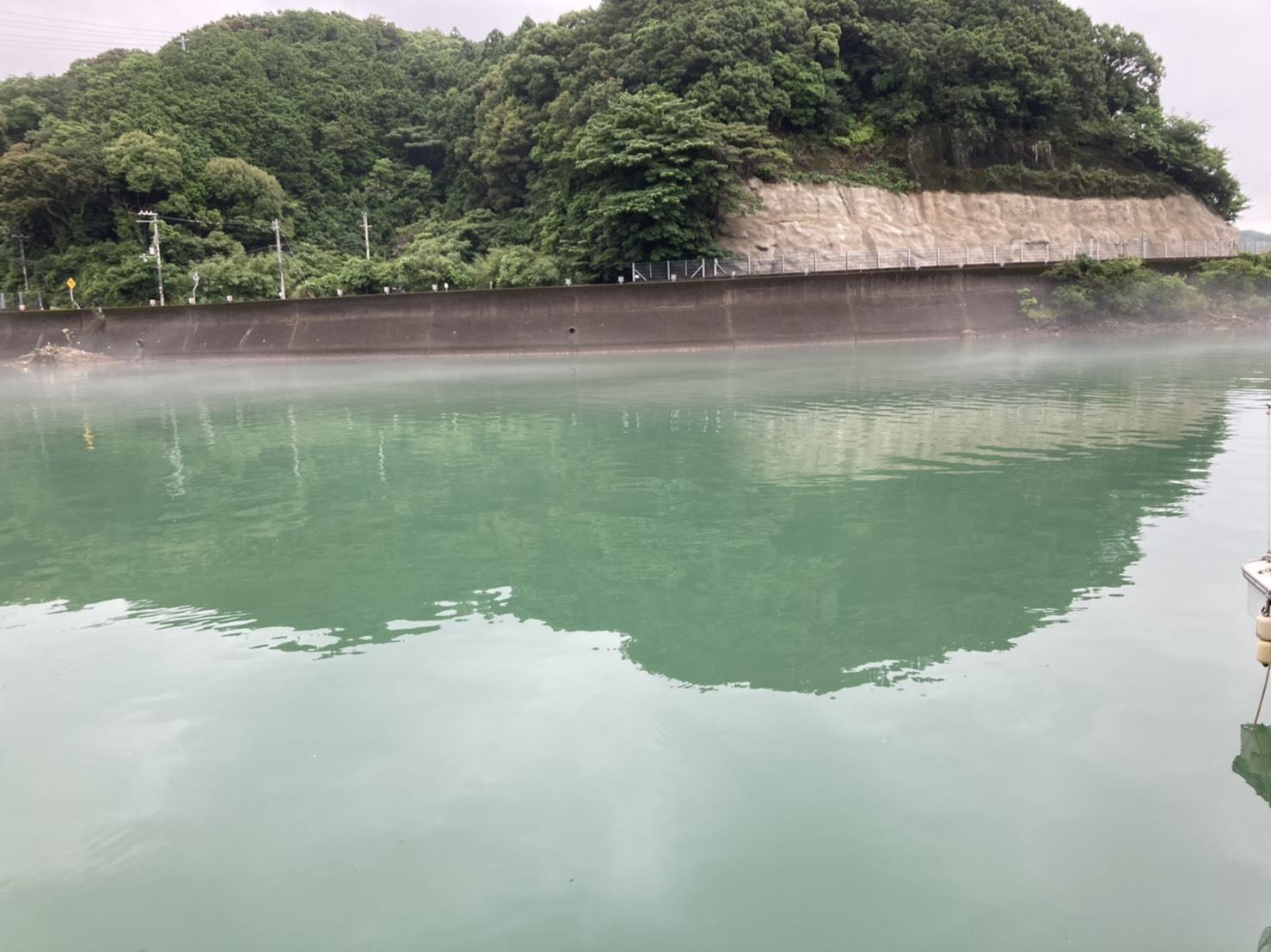 白浜周辺は水潮が回っています。